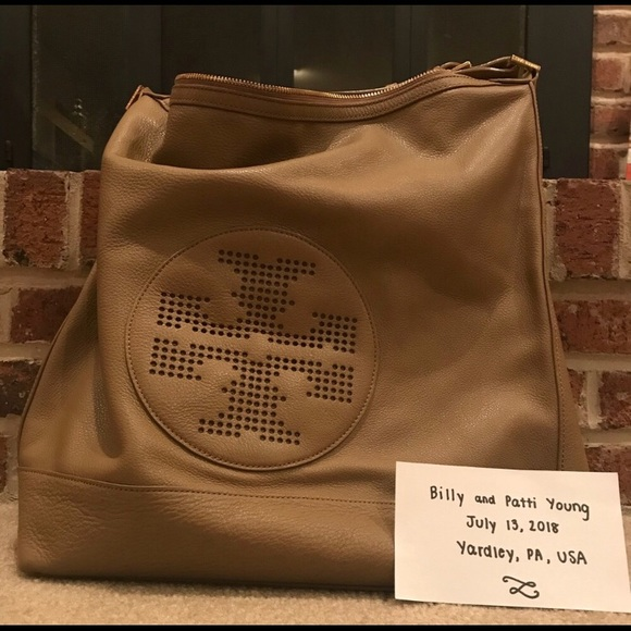 7b8afebeebfd Tory Burch Kipp Hobo Leather Bag-Sand Dollar Tan